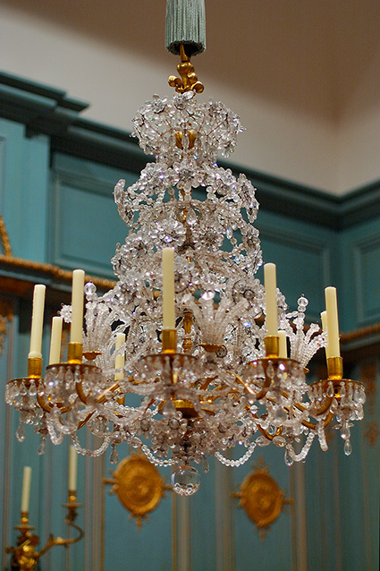 Chandelier_Paris_1695