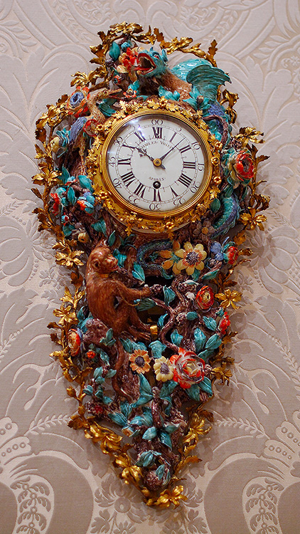 WallClock_Dragon_MonkeyandFlowers_1713