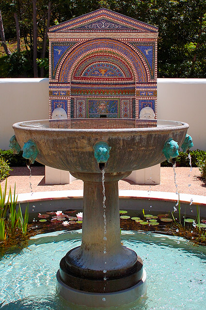 Mosaic-ShellFountain_EastGarden_GettyVilla_HS3547
