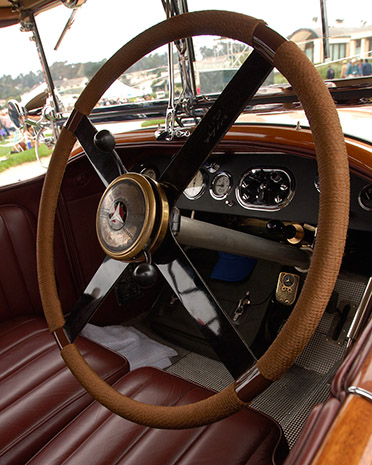 Mercedes24_Skiff_Interior_X4662