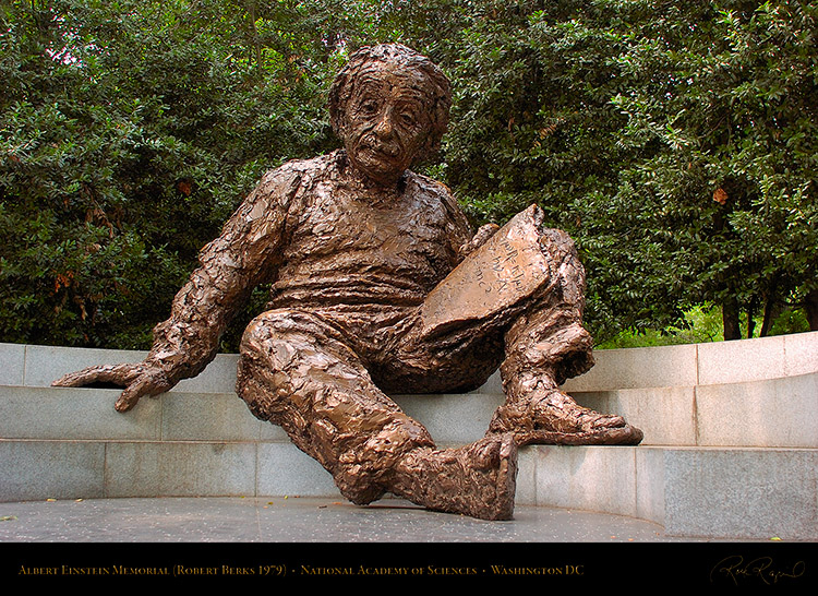 Albert_Einstein_Memorial_5112