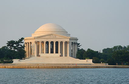 JeffersonMemorial_atSunrise_2407