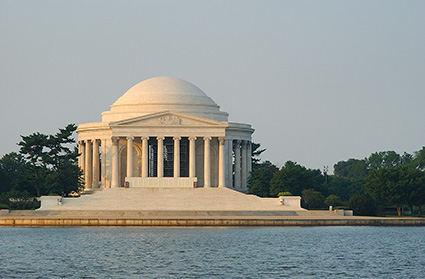 JeffersonMemorial_atSunrise_2418