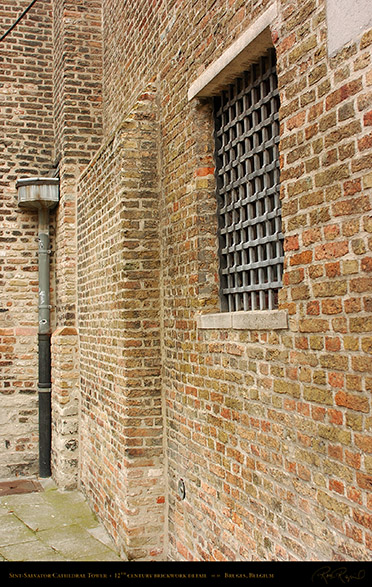 Sint-Salvator_Tower_Brickwork_Detail_1999