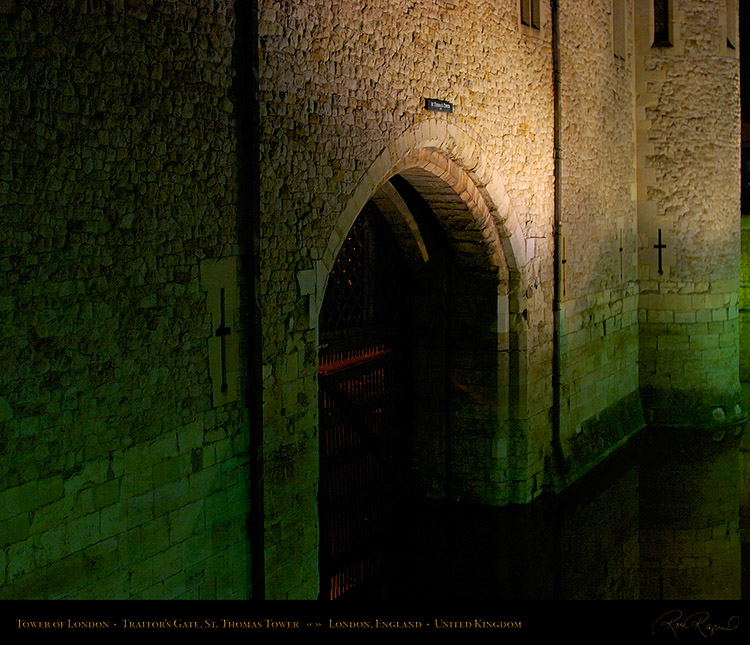 Tower_ofLondon_Night_1112M