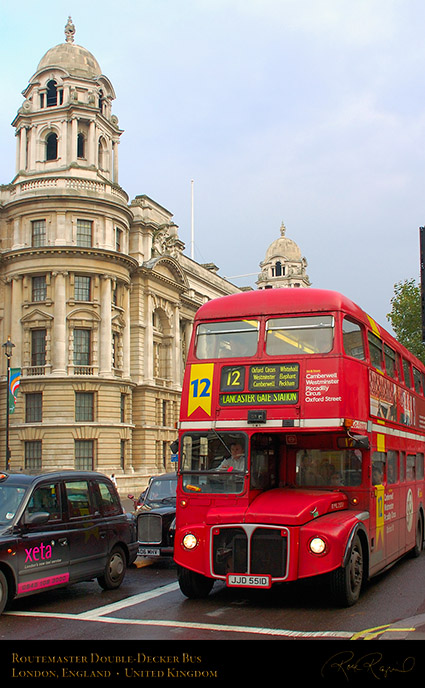 Routemaster_Double-Decker_Bus_0777