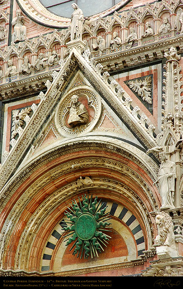 Central_Portal_Tympanum_Siena_Cathedral_6051