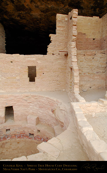 Mesa_Verde_Spruce_Tree_House_Central_Kiva_X9778