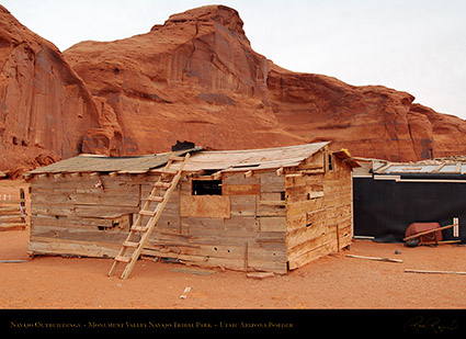Monument_Valley_Navajo_Outbuildings_X1583