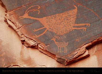 Monument_Valley_Eye_of_the_Sun_Petroglyphs_X1525