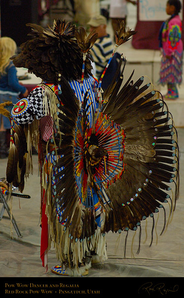 Pow_Wow_Dancer_and_Regalia_X2442