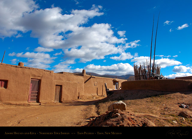 Taos_Pueblo_Adobe_Houses_and_Kiva_HS6605