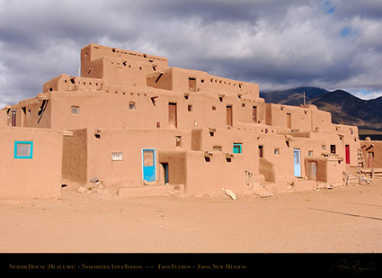 Taos_Pueblo_North_House_HS6578