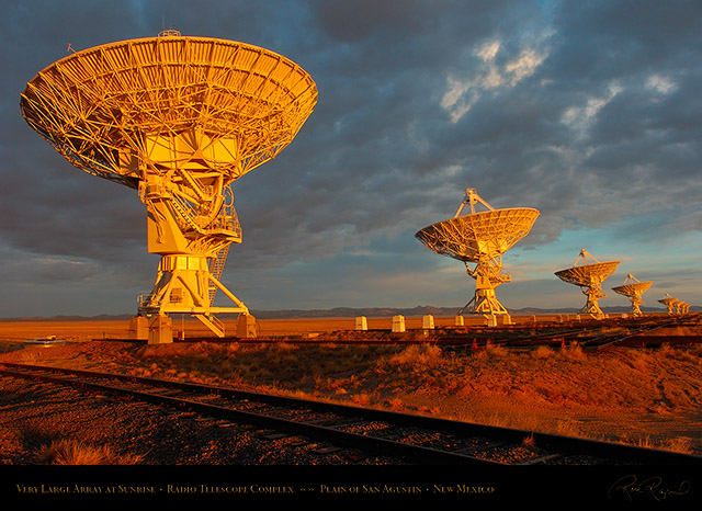 Very_Large_Array_at_Sunrise_7121