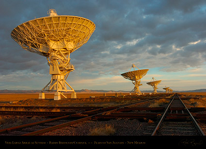 Very_Large_Array_at_Sunrise_7129