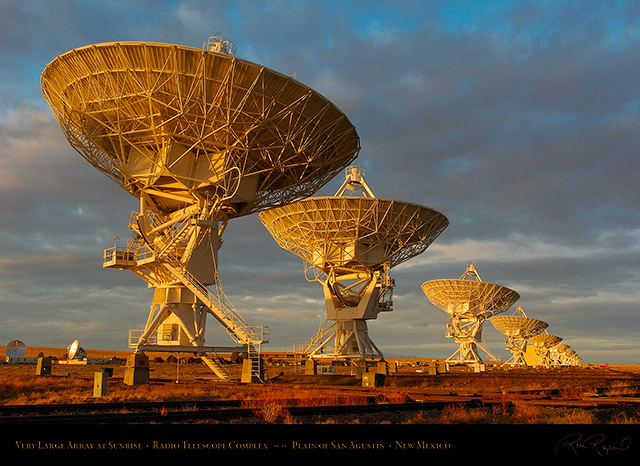Very_Large_Array_at_Sunrise_7141
