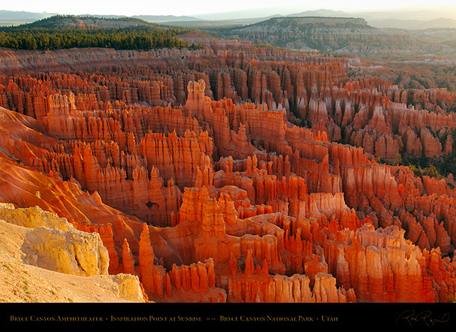 Bryce_Canyon_Inspiration_Point_at_Sunrise_X1792