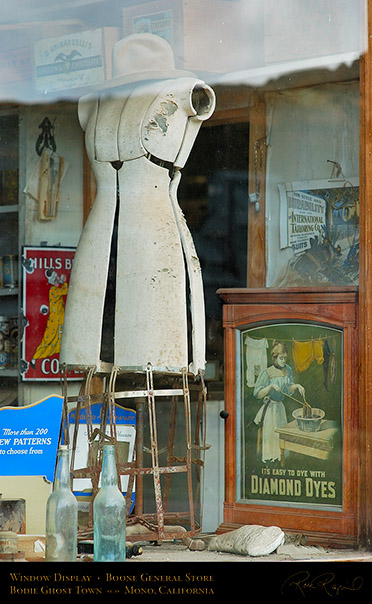 Bodie_Boone_Window_Display_3305
