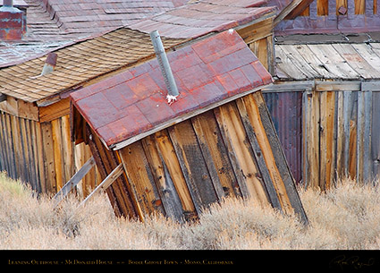 Bodie_Leaning_Outhouse_4449