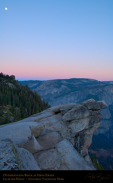 Overhanging_Rock_First_Light_Glacier_Point_X6501